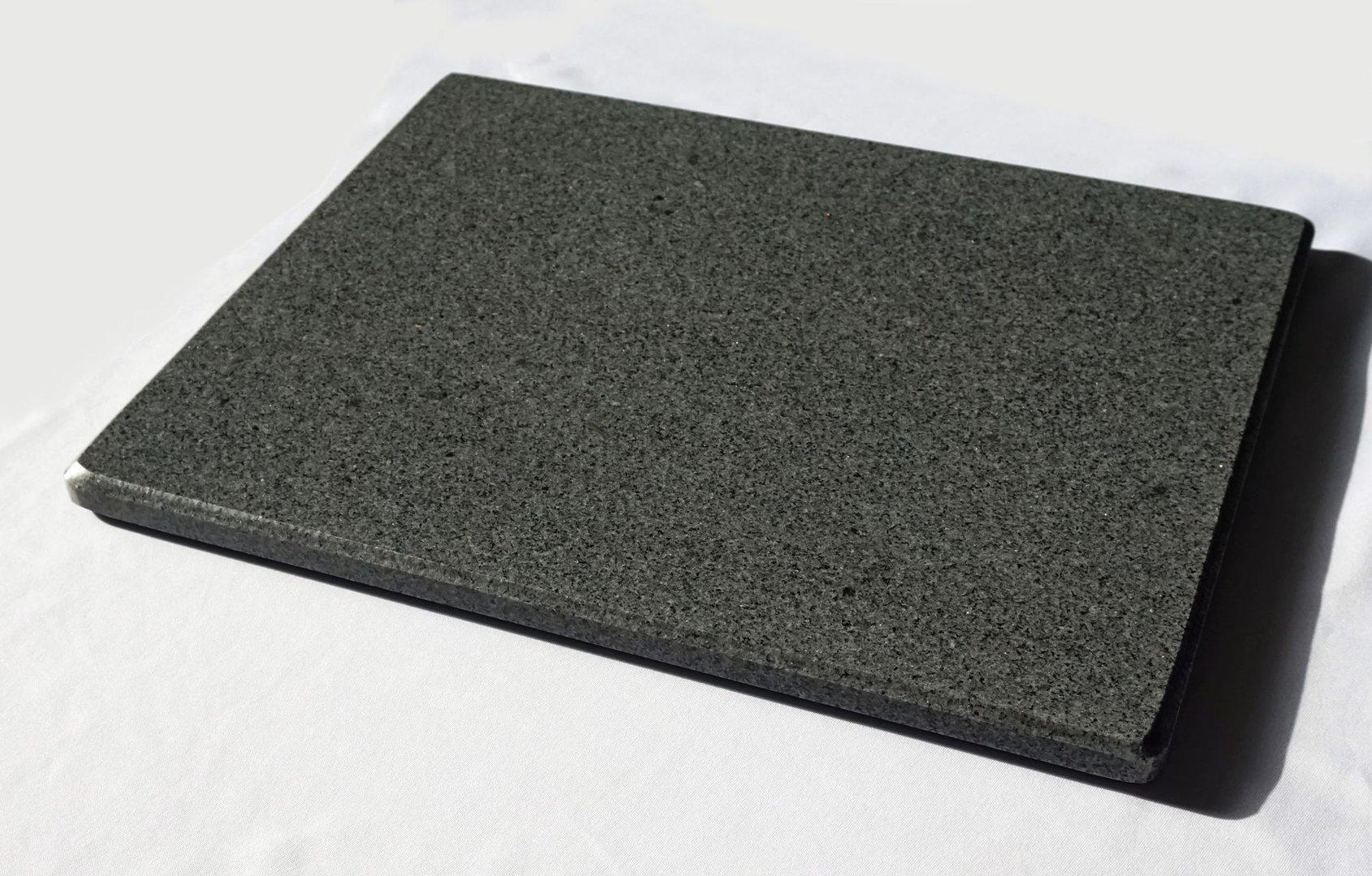 pizzastein aus granit. Black Bedroom Furniture Sets. Home Design Ideas