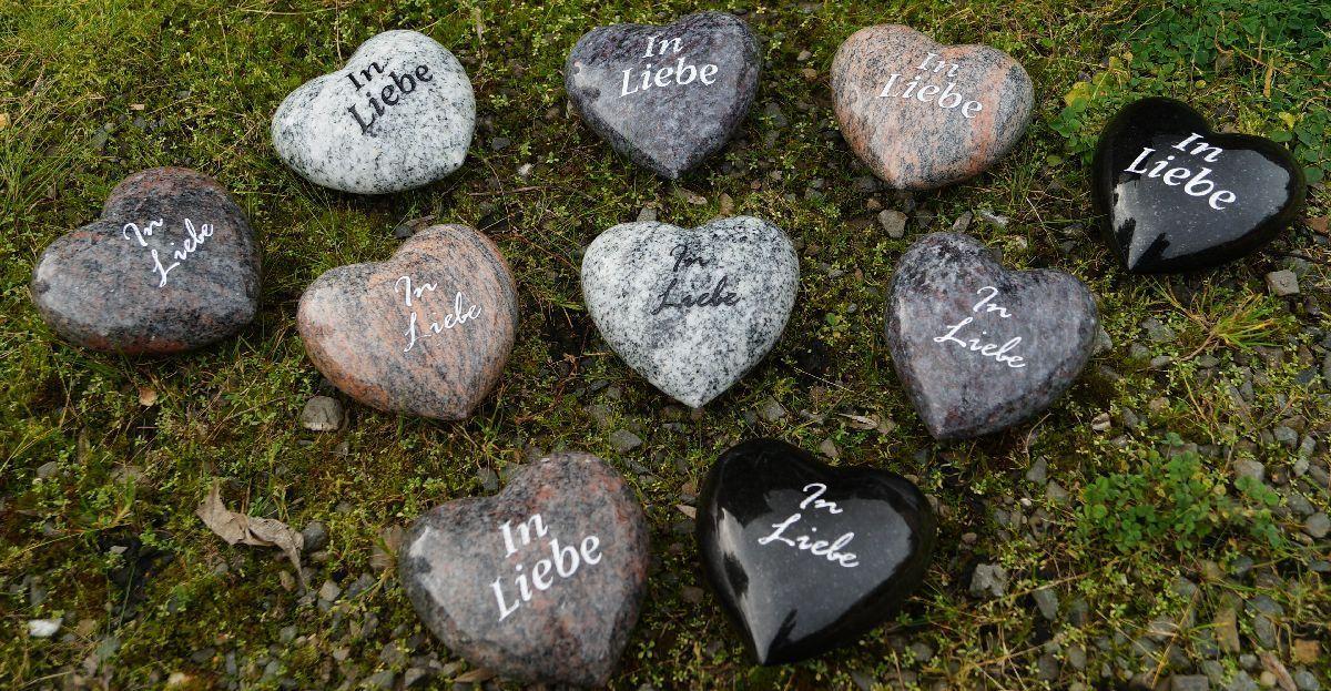 Edle Herzen aus Granit allseitig poliert mit Schrift 10x10x5cm